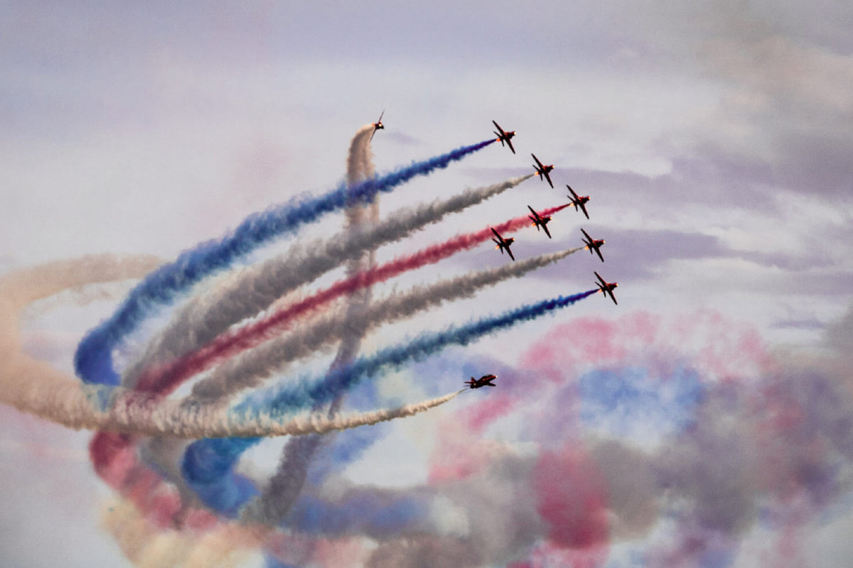 Red arrows flying in formation for the Bournemouth airshow